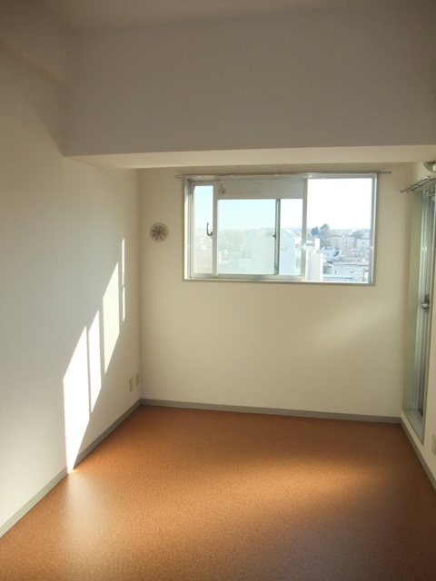 スカイコート西横浜6居室