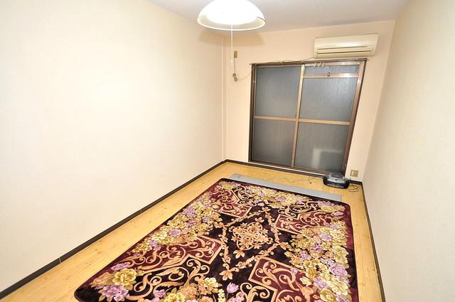 浅田ハイツ 明るいお部屋はゆったりとしていて、心地よい空間です