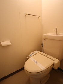 https://image.rentersnet.jp/cd849f8c-78ca-40a5-bd66-39f940cb5ff3_property_picture_955_large.jpg_cap_トイレ