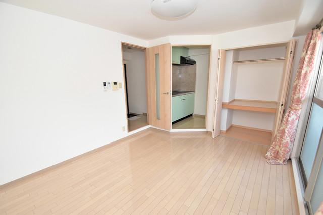 カインド高井田 シンプルな単身さん向きのマンションです。