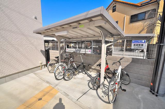 ラヴィ・クレール 屋内にある駐輪場は大切な自転車を雨から守ってくれます。
