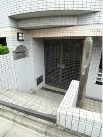 中井駅 徒歩20分エントランス