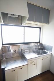 https://image.rentersnet.jp/ce13649e-6d8d-4ede-87d9-49a273f4ebdc_property_picture_956_large.jpg_cap_キッチン