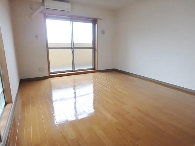 サンモールMARUHARA居室