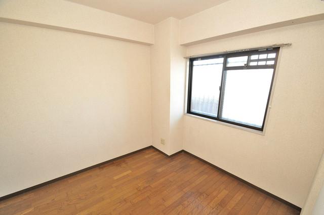 プラムガーデンハイツ 朝には心地よい光が差し込む、このお部屋でお休みください。