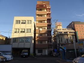https://image.rentersnet.jp/ce27e3ee-c399-481a-86d4-3fc4dc3cd809_property_picture_2418_large.jpg_cap_外観