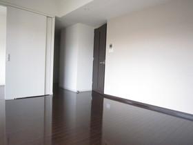 https://image.rentersnet.jp/ce425038-ee33-40dc-8266-152f5fdcca2a_property_picture_961_large.jpg_cap_居室
