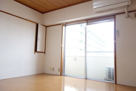 https://image.rentersnet.jp/ce58eb39-59e5-465a-9ac0-bfddb24794b2_property_picture_1992_large.jpg_cap_居室