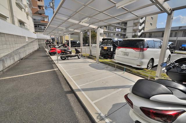 アバ・ハイム西村 屋根付きの駐輪場は大切な自転車を雨から守ってくれます。
