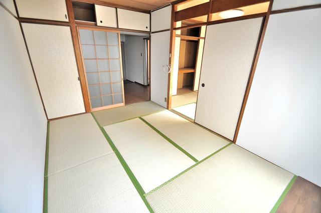 小阪ビル 和室ならではの襖を開けると開放感がありますね。