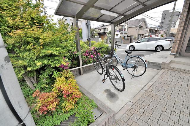 カーサ・エクレール A棟 あなたの大事な自転車も安心してとめることができますね。