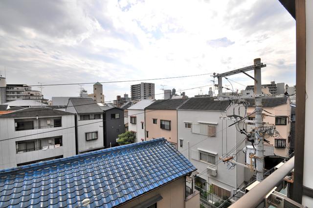 ライラック小阪 バルコニーは眺めが良く、風通しも良い。癒される空間ですね。