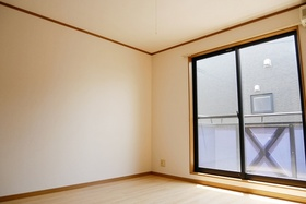 https://image.rentersnet.jp/cef9c8e0-8415-406e-a845-594f49e4f0f0_property_picture_2419_large.jpg_cap_居室