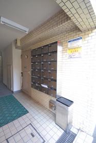 代田橋駅 徒歩14分エントランス