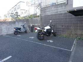 アダージョ駐車場