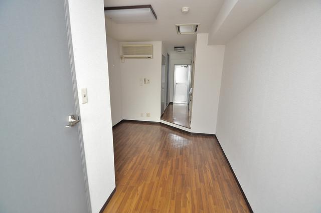 清洲プラザ高井田 陽当りの良いベッドルームは癒される心地良い空間です。