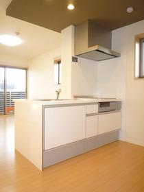 https://image.rentersnet.jp/cf3177aa-4bda-4025-bda7-e6bd26b3d00d_property_picture_959_large.jpg_cap_キッチン