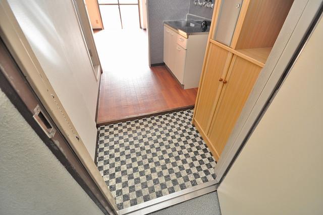 ハイツ片岡Ⅱ シューズボックス完備で玄関周りがスッキリ。