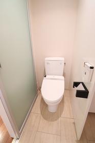 https://image.rentersnet.jp/cf621b82-eab5-40a8-8edb-7c92ecdadbef_property_picture_1992_large.jpg_cap_2Fトイレ