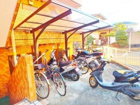 永山フラワーマンション駐車場