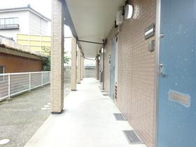 https://image.rentersnet.jp/cf72ae25-a151-46a7-9303-37c8e32bdb04_property_picture_1991_large.jpg_cap_エントランス