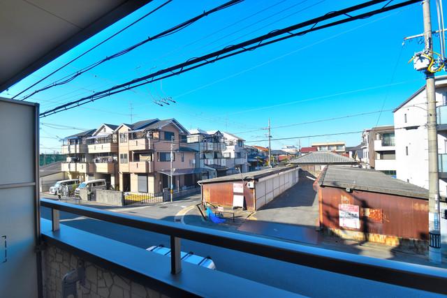 セレブ西上小阪 この見晴らしが陽当たりのイイお部屋を作ってます。