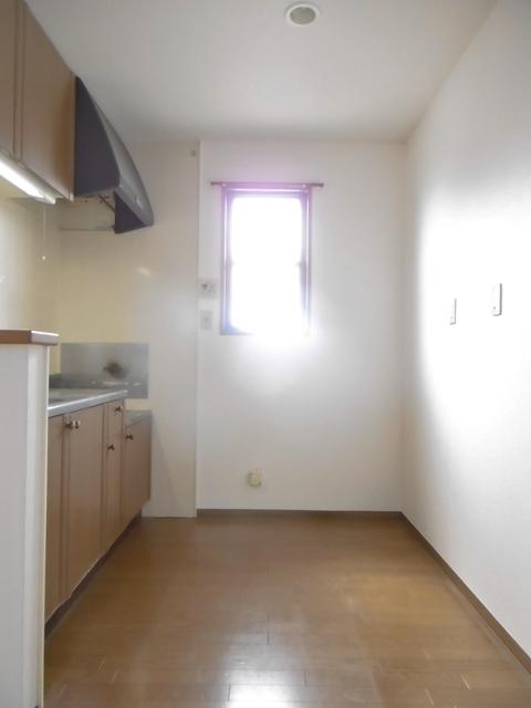 キッチン後ろも充分なスペース
