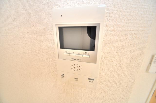 プロシード巽 TVモニターホンは必須ですね。扉は誰か確認してから開けて下さいね