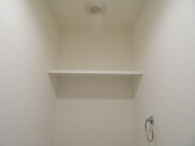 https://image.rentersnet.jp/cfdd452e-97f3-40e8-906b-f53b99cc3fd0_property_picture_958_large.jpg_cap_トイレ