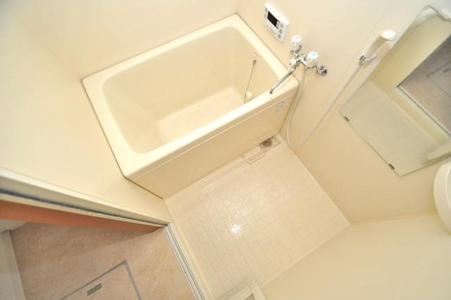 フレンテ田中 ちょうどいいサイズのお風呂です。お掃除も楽にできますよ。