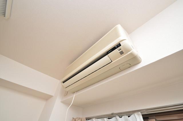 イーストコトブキ エアコンがあるのはうれしいですね。ちょっぴり得した気分。