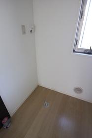 ニューラグンB 303号室