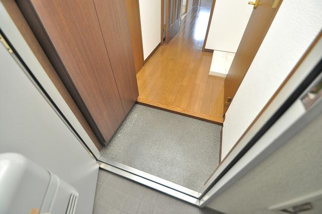 ウエンズ小路 素敵な玄関は毎朝あなたを元気に送りだしてくれますよ。
