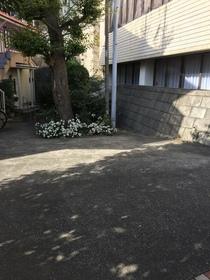 昭栄ホームズ駐車場