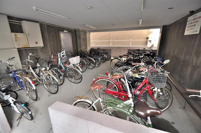 シャンピニヨン岩崎 あなたの大事な自転車も安心してとめることができますね。