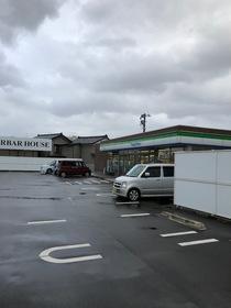 https://image.rentersnet.jp/d051dfc5-9762-4bb1-9541-fbd169a18669_property_picture_1993_large.jpg_cap_ファミリーマート吉田大保店