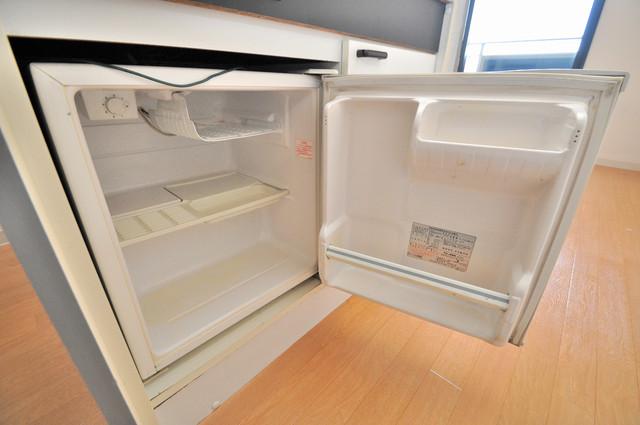ノーブル布施 ミニ冷蔵庫付いてます。単身の方には十分な大きさです。