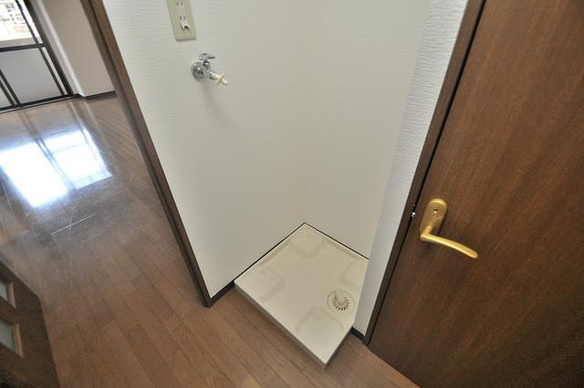 ウエンズ小路 洗濯機置場が室内にあると本当に助かりますよね。