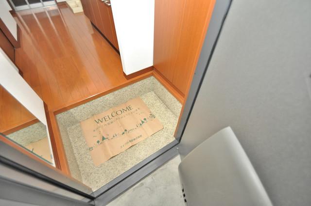 フルールタツミウエスト 素敵な玄関は毎朝あなたを元気に送りだしてくれますよ。
