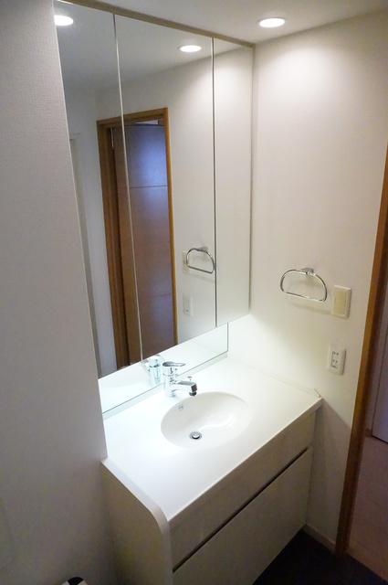アトラス江戸川アパートメント洗面所