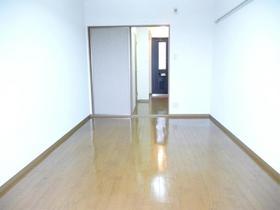 https://image.rentersnet.jp/d150bea8f22b3a3a25c312fc36e62900_property_picture_959_large.jpg_cap_居室