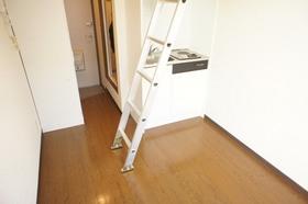 https://image.rentersnet.jp/d1621d84c2748e1aea0103bbf7613ddd_property_picture_961_large.jpg_cap_ロフト付きの洋室