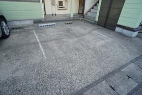 https://image.rentersnet.jp/d17035ad-55d1-4d43-8d84-4b1db4428d18_property_picture_956_large.jpg_cap_駐車場