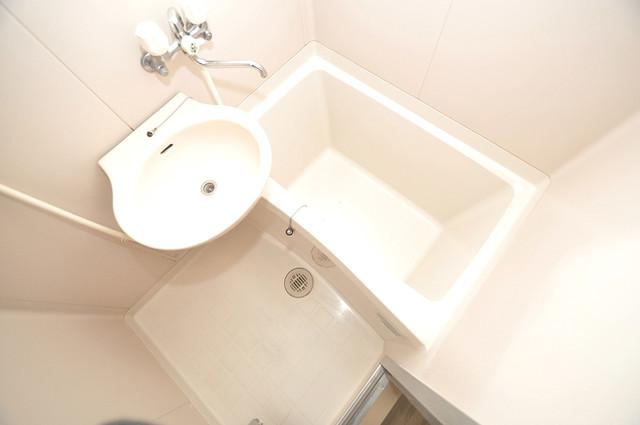スリーゼ菱屋西 単身さんにちょうどいいサイズのバスルーム。
