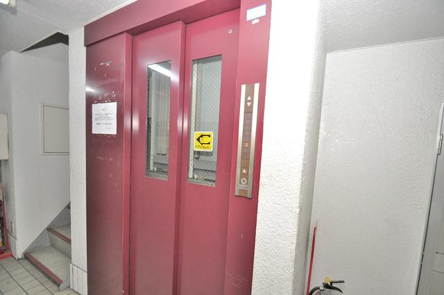 T'sレジデンス今里(旧ボナール今里) 嬉しい事にエレベーターがあります。重い荷物を持っていても安心