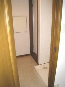 ハイツ白山中央 201号室