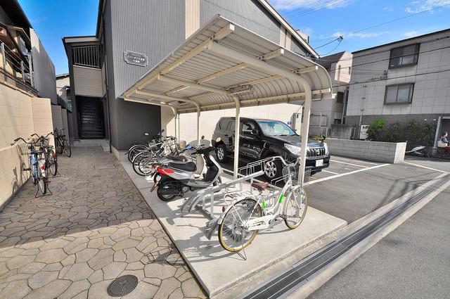 リバーサイド金岡 七番館 敷地内には専用の駐輪スペースもあります。