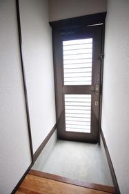 https://image.rentersnet.jp/d287b36c-f7b5-4755-bb15-248dcac6f4ad_property_picture_1992_large.jpg_cap_玄関