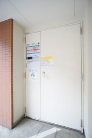 https://image.rentersnet.jp/d2dddfd80b10c74258fc6e8f96492041_property_picture_961_large.jpg_cap_敷地内ごみ捨て場