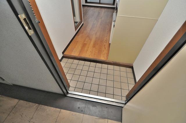 コーポフェルメール お部屋の入口には何も置かず、シンプルが一番ですね。